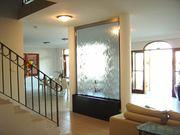 Водопады по стеклу — дарят новый дизайнерский элемент в интерьере.